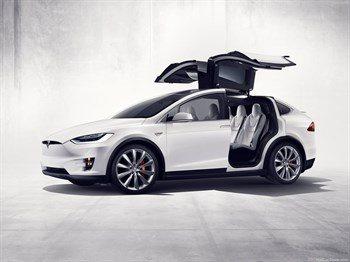 Tesla-Model_X-2017.jpg