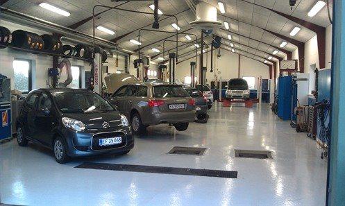 Reparation af bil hos dit lokale autoværksted - Autoværksted, reparation af bil, service af bil ...
