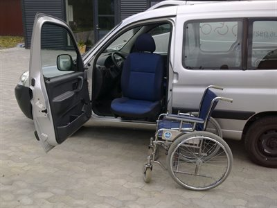 Drejesæde monteret i Peugeot Partner - billede 1
