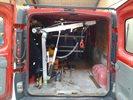 Opel Vivaro med kran ved bagdøre